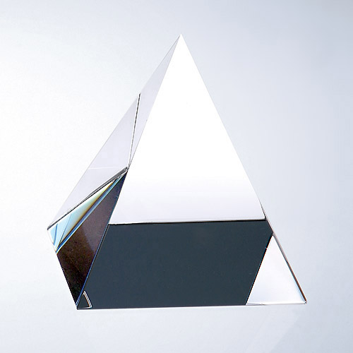 Pyramid-Clear Medium