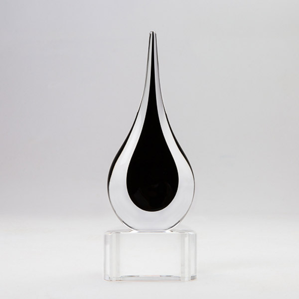 Black Teardrop on base small